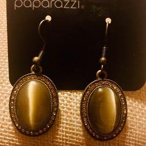 PAPARAZZI earrings brass stones